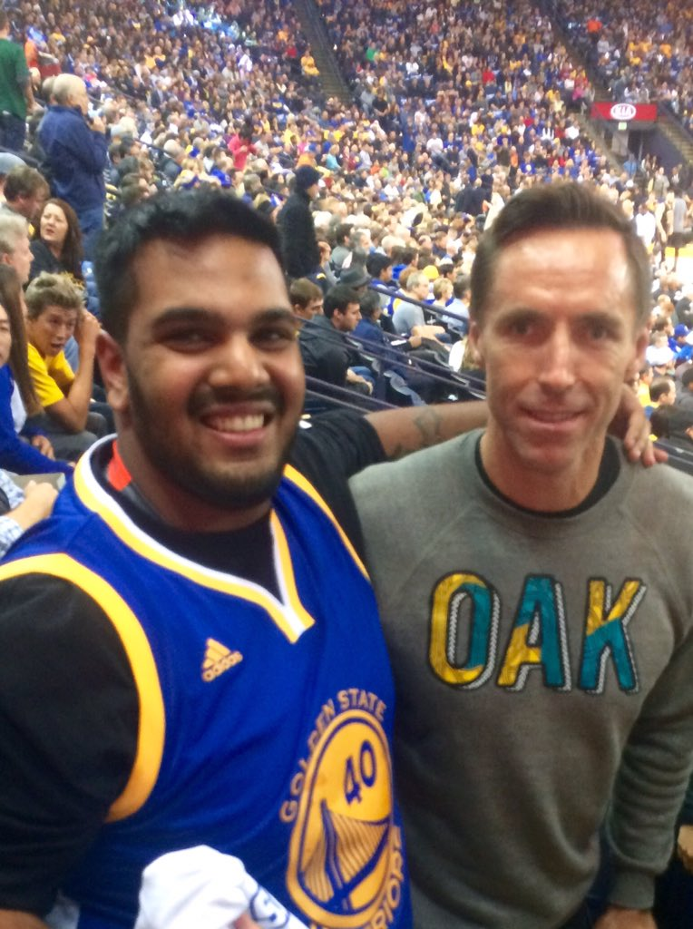 When you meet steve Nash and apologize for bothering him https://t.co/9KZYb09ycP
