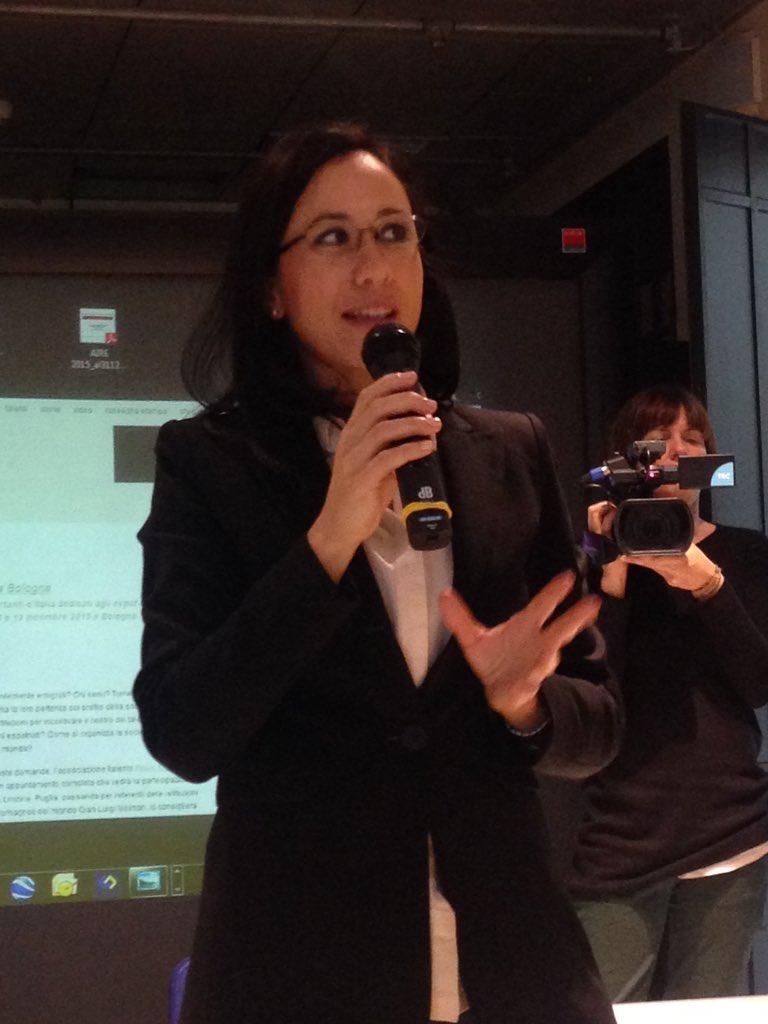 Nadia Monti, assessore giovani, legalità, anagrafe di @Twiperbole fa gli onori di casa.Tre deleghe perfette per noi! https://t.co/COYuud8Amk