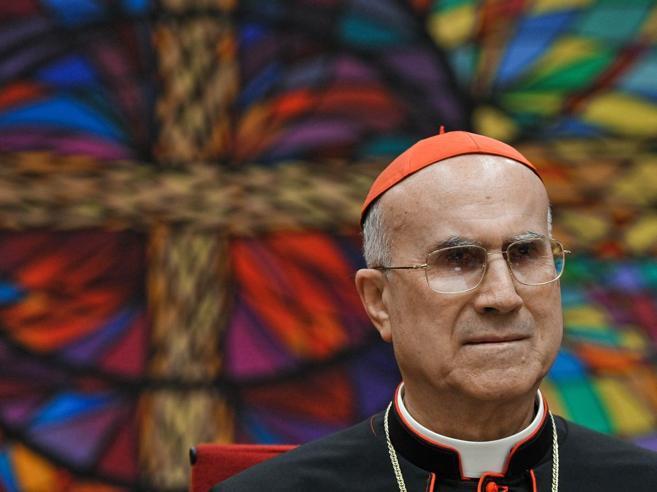 La donazione del cardinal Bertone al Bambin Gesù