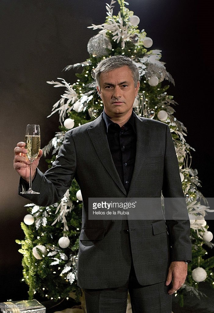 Mourinho looks like an EastEnders villain about to do something very drastic in the Christmas special https://t.co/8TYQoMddqd