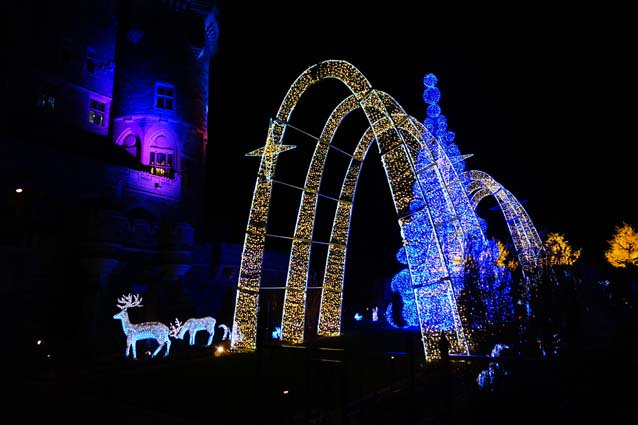 Don't miss the best holiday light displays in #Toronto, including @CasaLoma! https://t.co/vwOZhkwWoa https://t.co/chYoFQcPy3