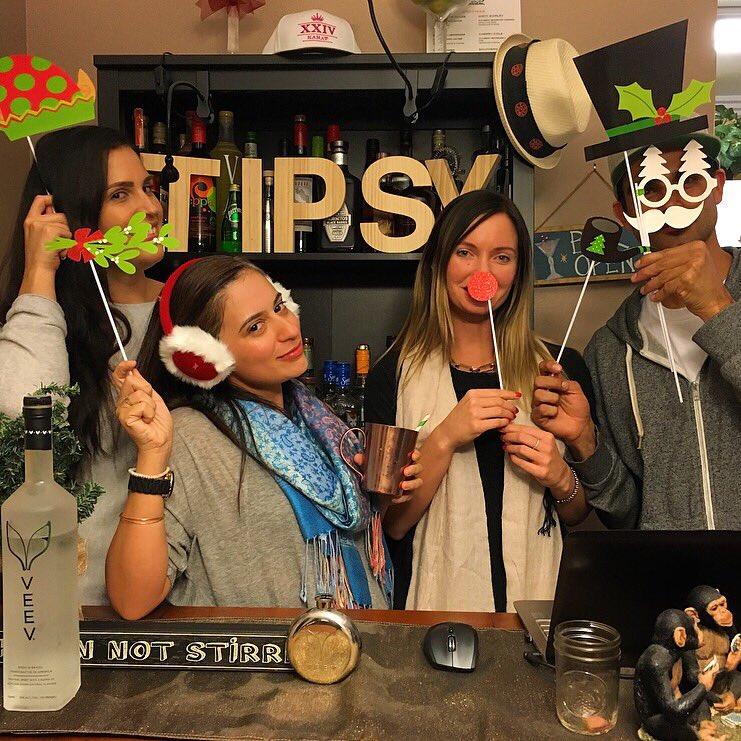 cheating on vodka w. @VEEV #vitafrute #TipsyInLA #CheatOnVodka #veev #TIPSY #LA #holidays https://t.co/XtAA6EHDjY