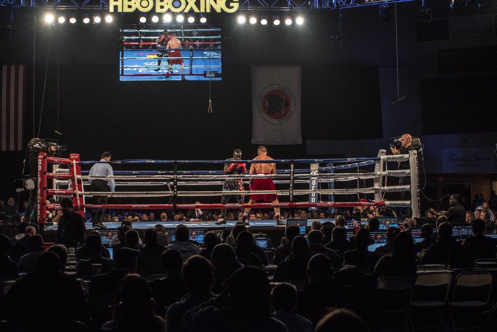 Great @HBOLatino fights so far tonight! #JenningsOrtiz starts at 10:15p on @HBOboxing! https://t.co/3f1Ltz1r2D