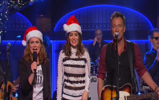 Bruce Springsteen Christmas.Tina Fey Amy Poehler Bruce Springsteen Paul Mccartney Merry