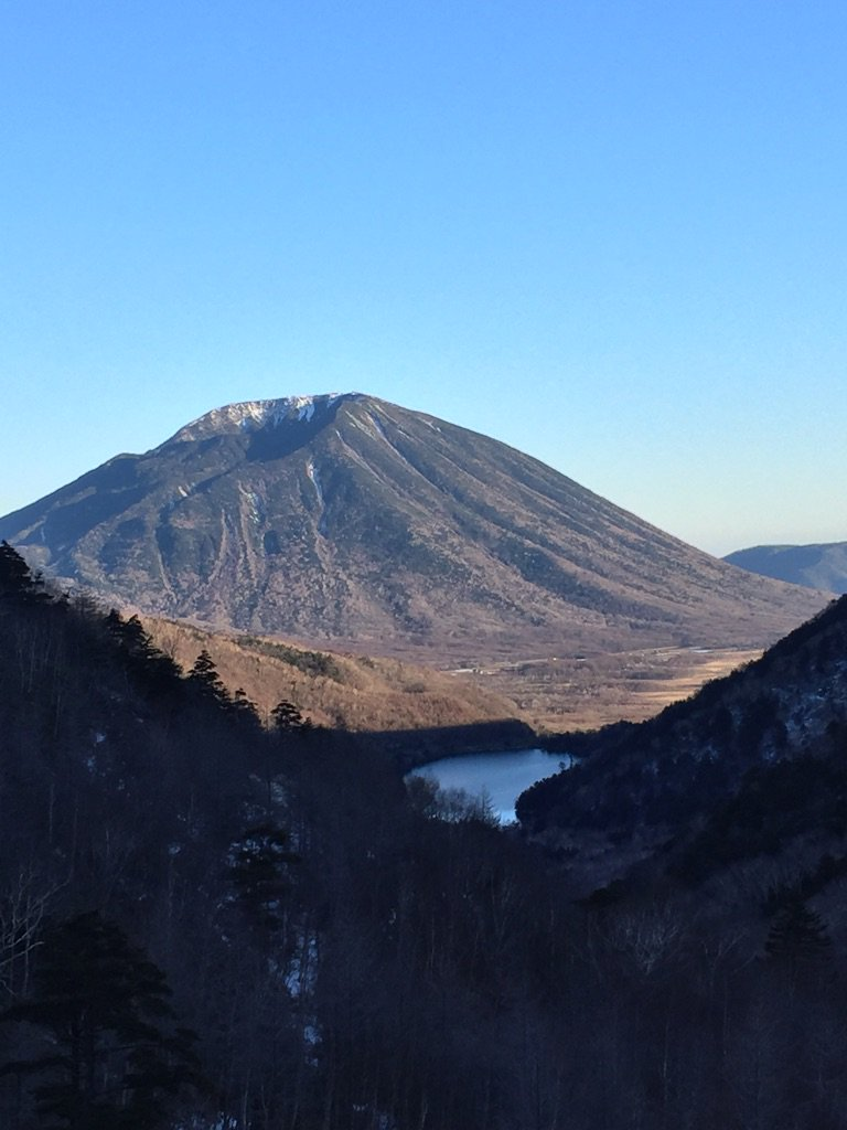 夕映えの男体山と湯ノ湖。 https://t.co/5wK5mTD4vn