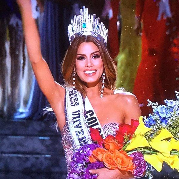 Miss Universo por cinco minutos FELICIDADES https://t.co/cSVzTfHBVM