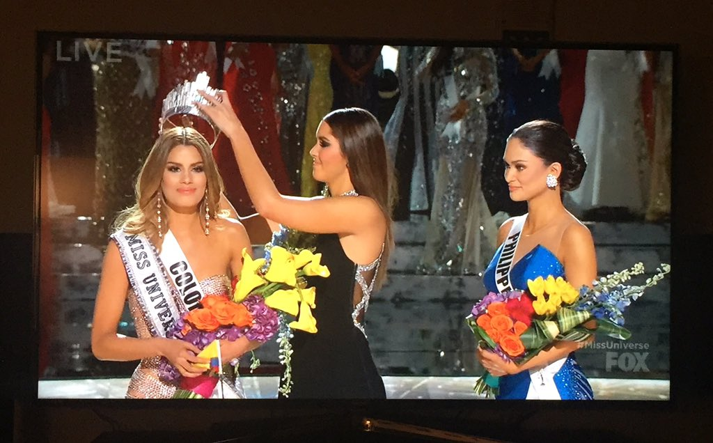 So awkward! RT @sharleenjoynt: Ouch! What an excruciating television moment. #MissUniverse2015 https://t.co/qhgiPFjPKt
