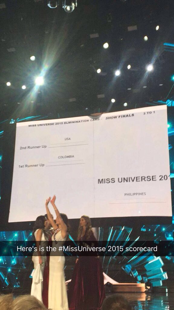 """Maybe he didn't see the right side... And he thought """"1st"""" meant dinner #MissUniverse https://t.co/xKG2zF2pr8"""