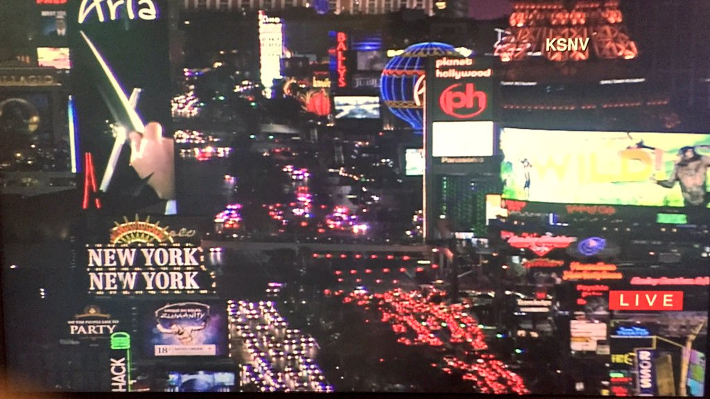 """Major accident"" shuts down S. Las Vegas Blvd near #MissUniverse2015 @LVMPD says to avoid area. Image Via @News3LV https://t.co/BUPnTJAx4D"