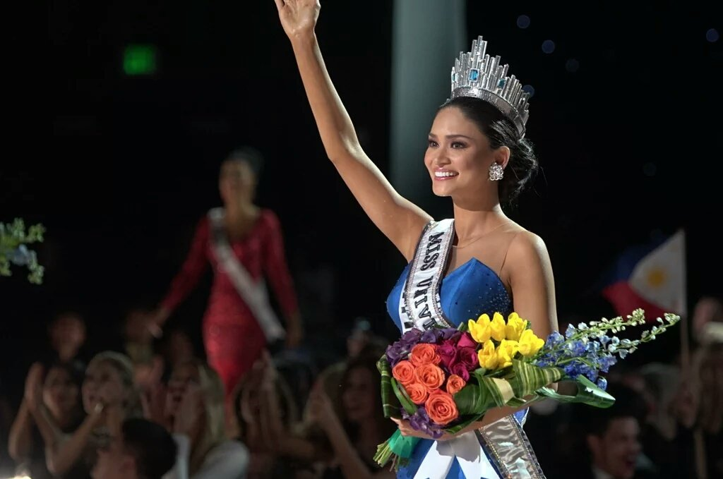 Meet Pia Alonzo Wurtzbach #MissUniverse2015 ! This is the pic that should be circulating. #MissPhilippines https://t.co/l4VTrel4ID