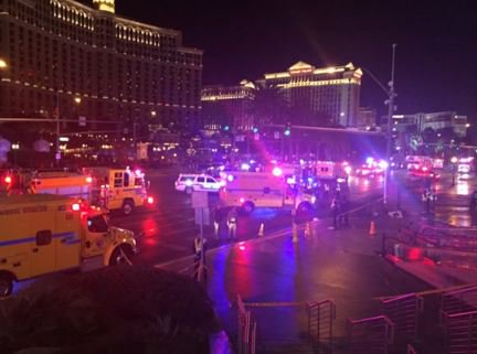Incidente a Las Vegas: auto investe folla di pedoni vicino al Paris Hotel