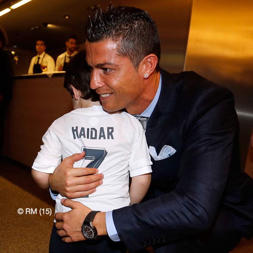 Роналду встретился с мальчиком, потерявшим родителей при теракте в Бейруте (фото)