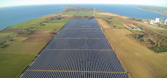 61 MW #solar project completed in Denmark: the largest project of its kind in Scandinavia https://t.co/nkcqvvpEE2 https://t.co/ElvvILuVfk