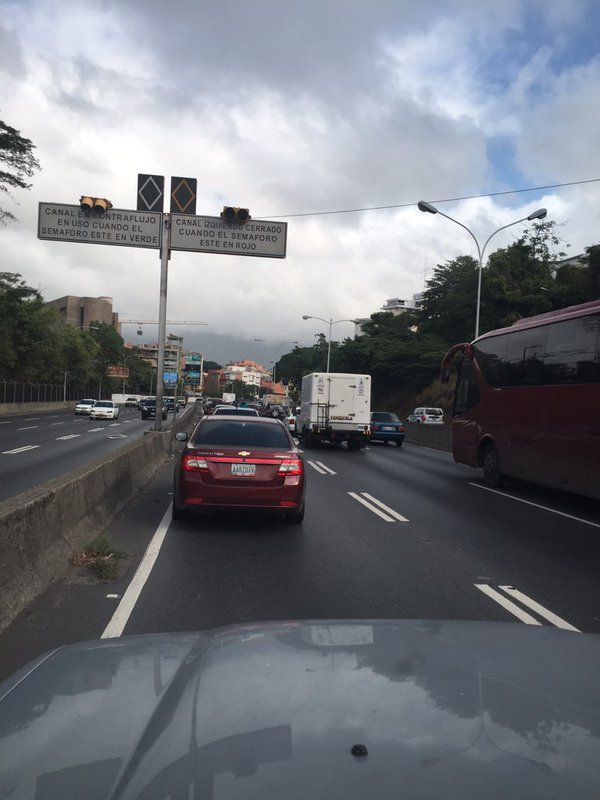 RT @Traffic_Mix: #Miranda 8:41am #PDE Cola Sent>Centro