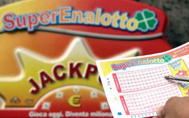 Estrazione del Lotto e Superenalotto oggi 31 dicembre 2015