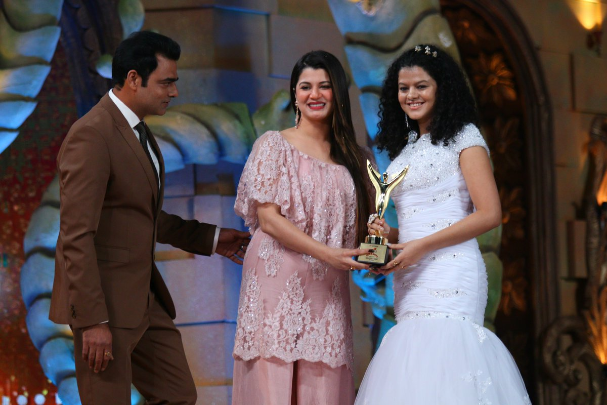 Best Playback Singer Female - Palak Muchhal at Stardust Awards 2016 Image/Picture