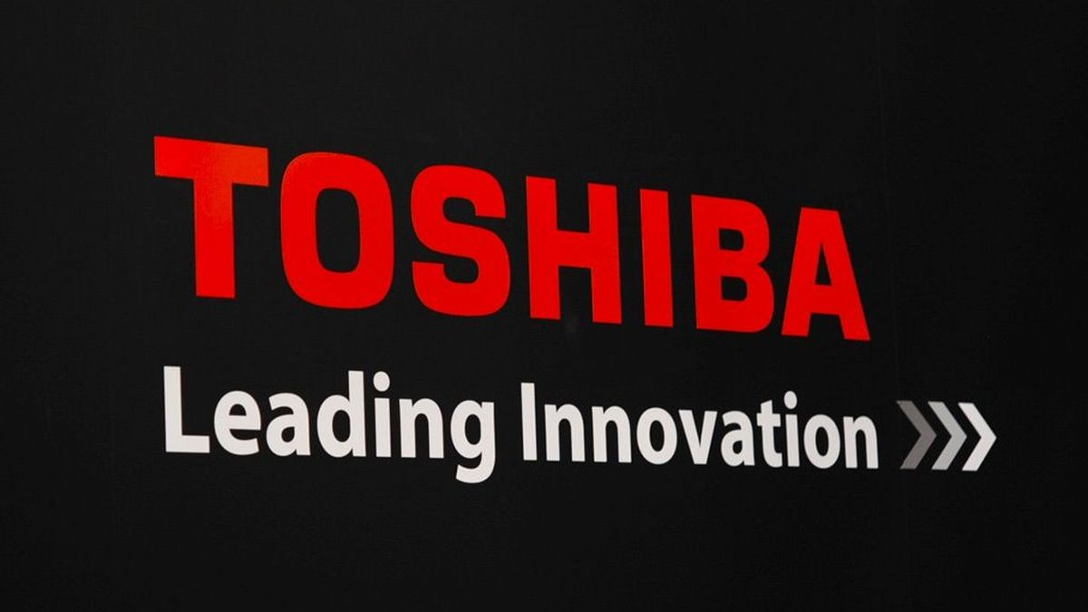 Toshiba has cut 7,800 jobs in the wake of an accounting scandal