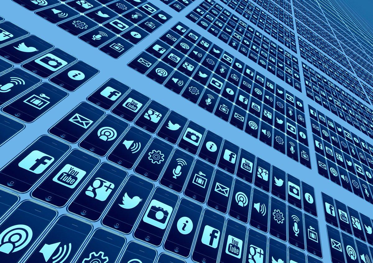 A quoi ressembleront les médias sociaux en 2016 ? Réponse(s) en image(s) https://t.co/LHDPNAlXwQ #socialmedia https://t.co/nvFZ9q1Mju