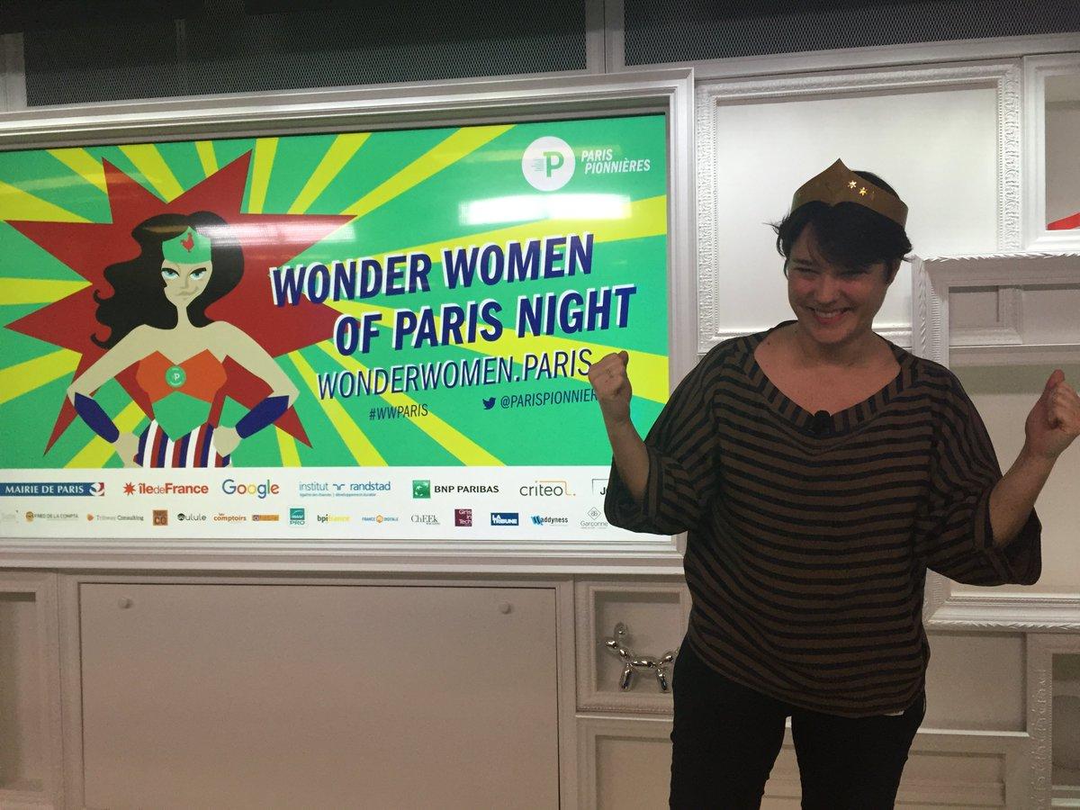 Les #WWParis, it is ON ! Let's go girls cc @mumuparis https://t.co/niS6Qd3d6p