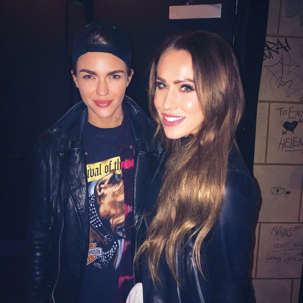 Fun night catching up with my Aussie     Maaaate @RubyRose <3 https://t.co/MQSeo2IjMu