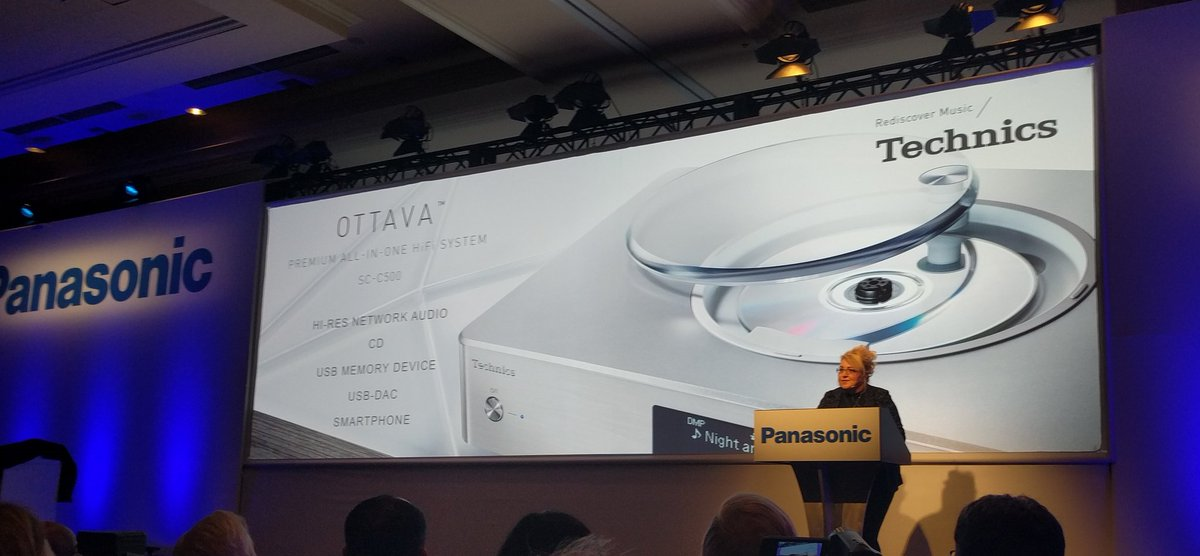 New Technics turntables from @panasonic including a direct-drive model #EngadgetCES #CES2016 @engadget @CES https://t.co/CdcMixhx9Y