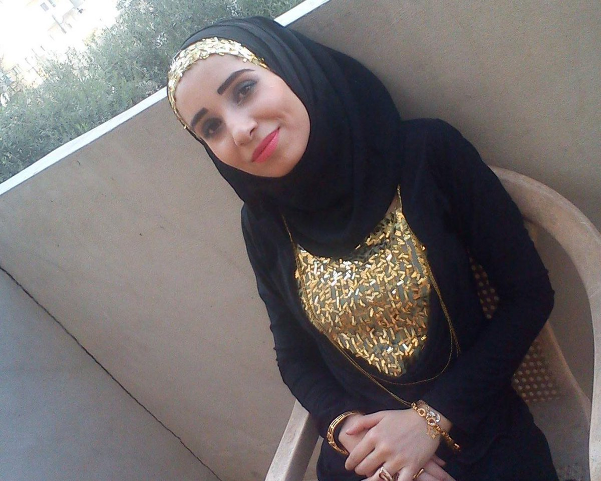 Ruqia Hassan: ISIS executes first female citizen journalist in Raqqa https://t.co/byYaU6UFZT https://t.co/nPpFvrHYXR