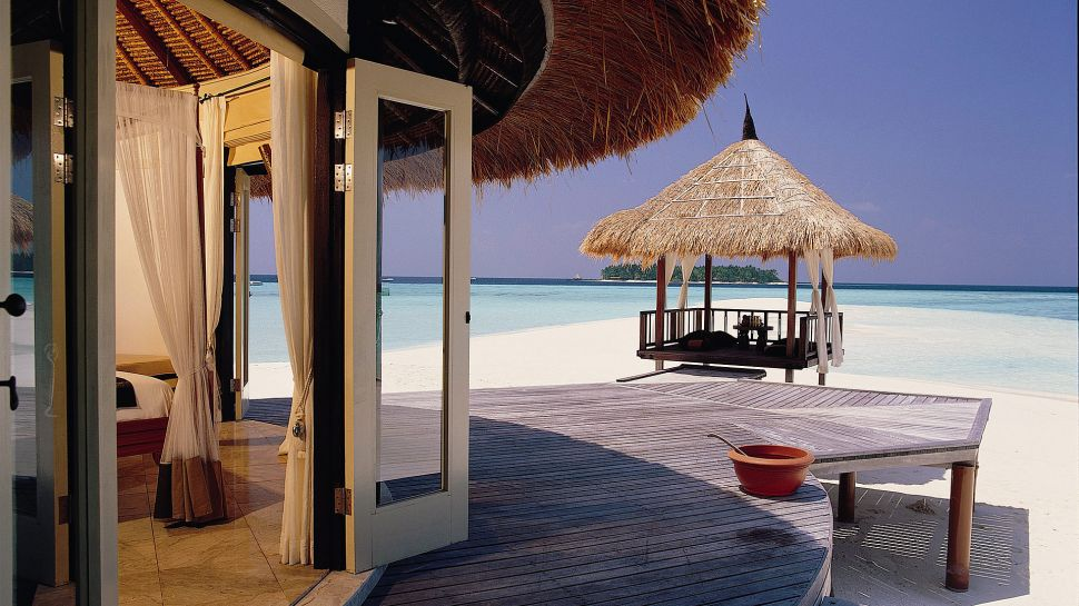 Room with a view: https://t.co/kQvj73ex07 @Banyan_Tree #Maldives. #luxurytravel https://t.co/GobOiMdtEy