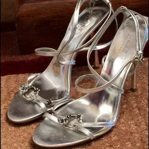 Guess by Marciano Shoes - NEW YEARS SALECLOSET CLEAR OUT $10 on Poshmark https://t.co/efcPiI7CMU #fashion #beauty … https://t.co/9YlYKysIcf