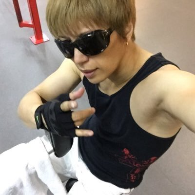 GACKT ACTUALLY CHANGED HIS TWITTER ICON. FINALLY. https://t.co/n8hcDPcS18