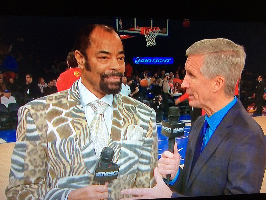 Oh my god Clyde is wearing a whole zoo https://t.co/rb2zP8Pmw1