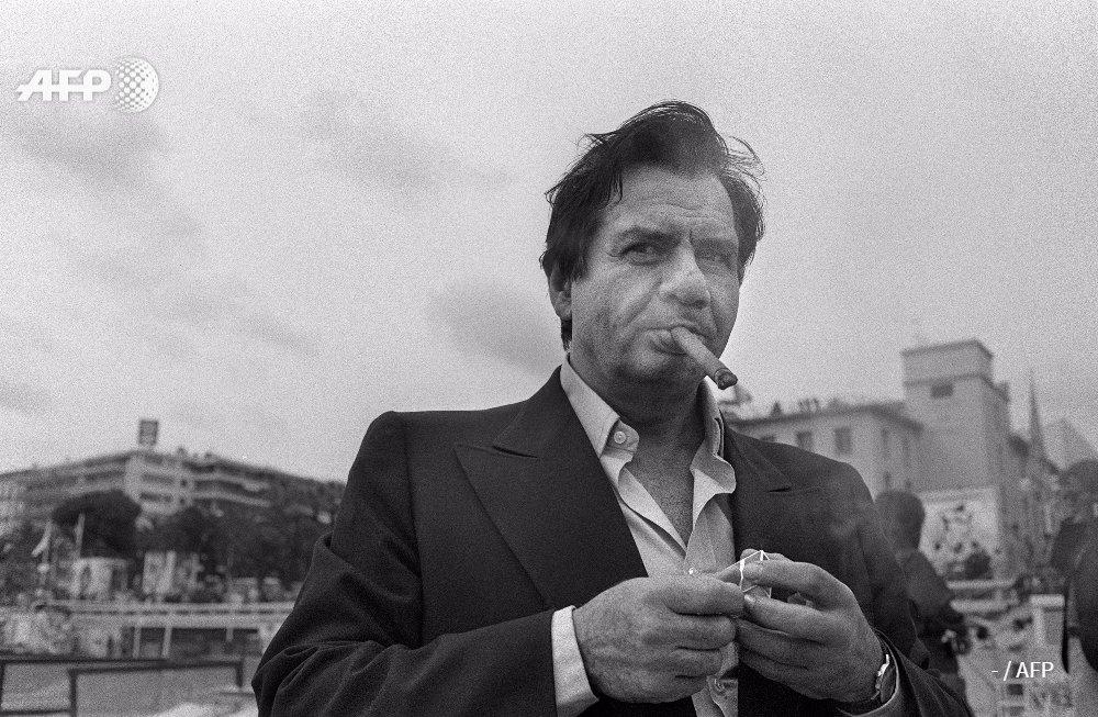 """Le comédien Michel Galabru est décédé """"dans son sommeil"""" à 93 ans, annonce sa famille. Ici en 1977 à Cannes #AFP https://t.co/Q5LY9rZ2ws"""
