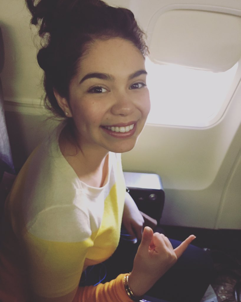 Ready for take off! LA bound to record more scenes for Moana!  Happy New Year to all! #Moana https://t.co/3KUvupeZKs https://t.co/lobX62N8Je