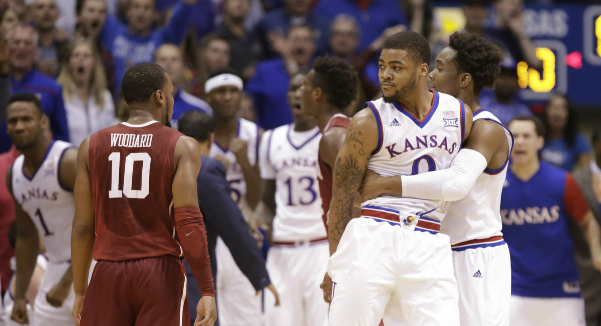 FINAL: KU beats OU 109-106 in 3OT. Amazing game. #kubball  https://t.co/kMEl1c9pJk https://t.co/ScTMhR9ZUv
