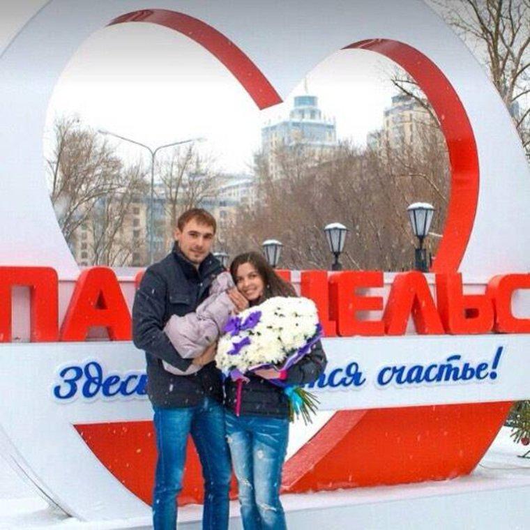 Алексей бардуков фото с женой и сыном траурными