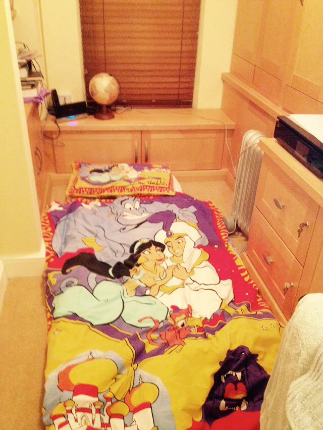 @rhodri my daughter is on the floor in the study with Aladdin and Jasmine. A whole new world. https://t.co/Fuv5JMBlRF