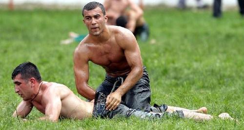 relaxing homo nude massage gutter bilder