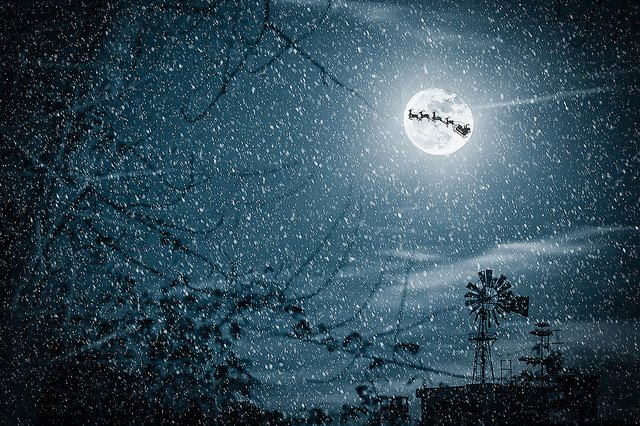 Rare Christmas full moon, first in 38 years, to rise tonight https://t.co/zFUSMCaHam https://t.co/EMz7ukSUtb