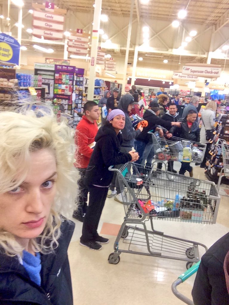 mary numair on twitter merry christmas eve from everyone at fred meyer including the woman one checkout aisle over httpstcobbzylnbnck - Fred Meyer Christmas Eve Hours