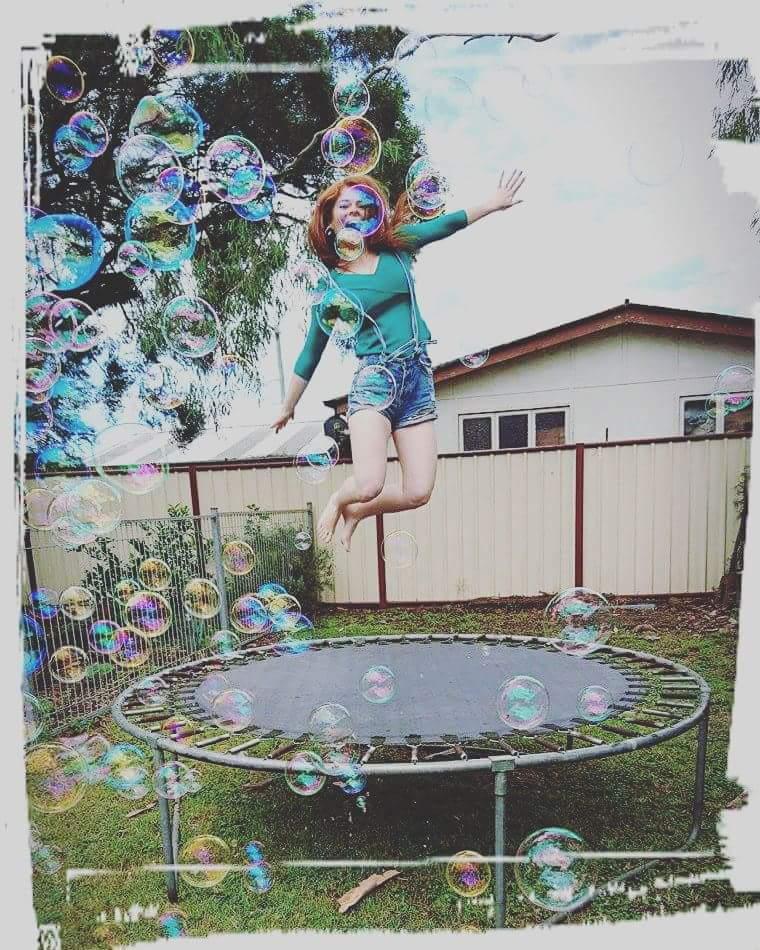 Candice Elizabeth  - Having more twitter @Candiceelizabth christmas,girlsontrampolines,bubbles