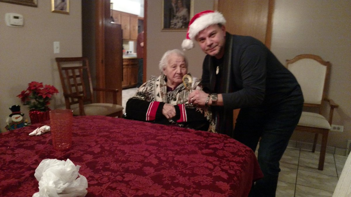 Merry Christmas with #nonna #ChristmasEve  :-) https://t.co/ctco0Dl2dF