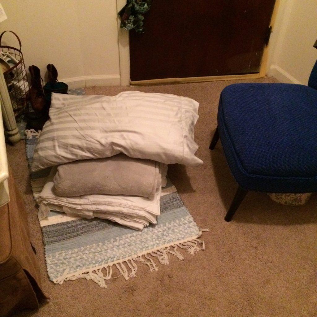 @rhodri I don't even get an air mattress. https://t.co/syUSyKUWlY