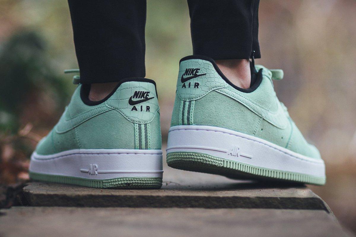 Nike Air Force Enamel Green