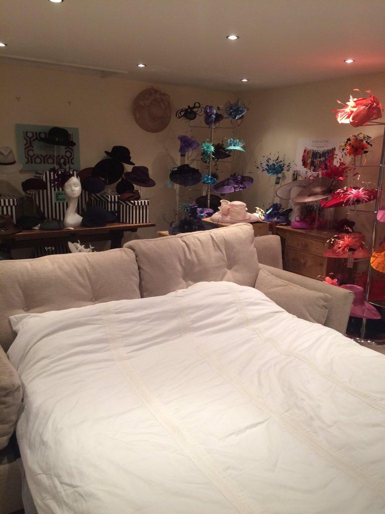 Merry Christmas @rhodri I sleep in my mums hat showroom, they're quite creepy in half light 👒🎩🎓👑⛑ https://t.co/eHODhYOwe4