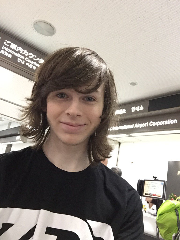 chandler riggs (@chand...