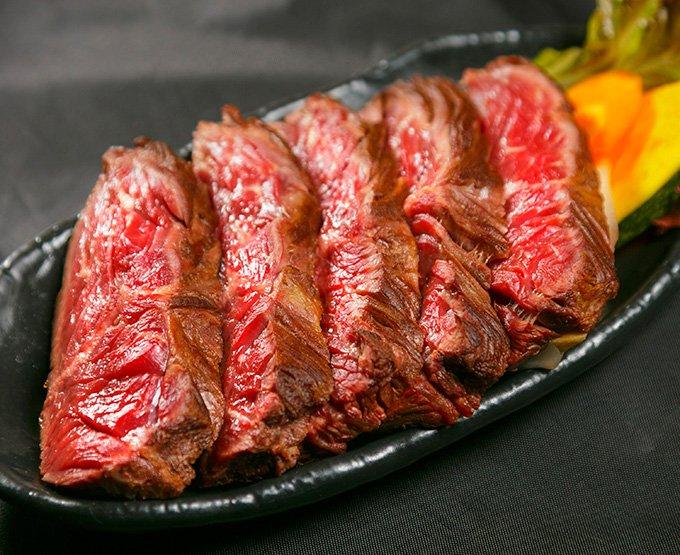 @miyazar もういちど。来年大阪ドームですよドーム。 【1/2から】肉フェスが関西初上陸「スーパープレミアム肉フェス 2016」京セラドーム大阪で開催 https://t.co/Vz4IsKohes https://t.co/BBrxkfYu8g