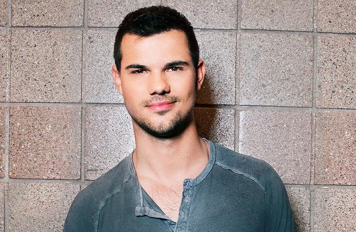 Taylor Lautner homofil porno finterlesbisk sex movied