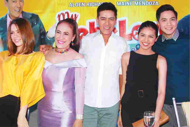 Big opening day for 'My Bebe Love: #KiligPaMore' - Read: https://t.co/TLRNfdn7s2 #EATBULAGABestOf2015 https://t.co/SnAluqpFIo