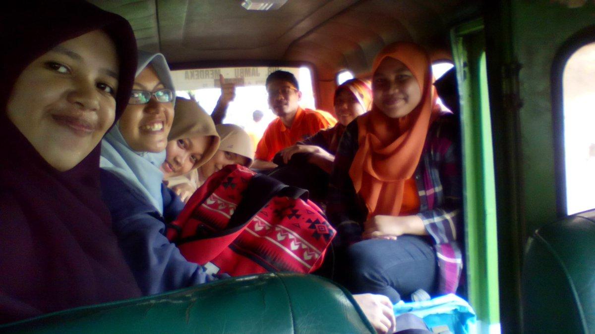 Bersama teman2 dari @Sebersy & @LINGKARPPBY menuju Katumbiri Resort https://t.co/ebI9geeMSO
