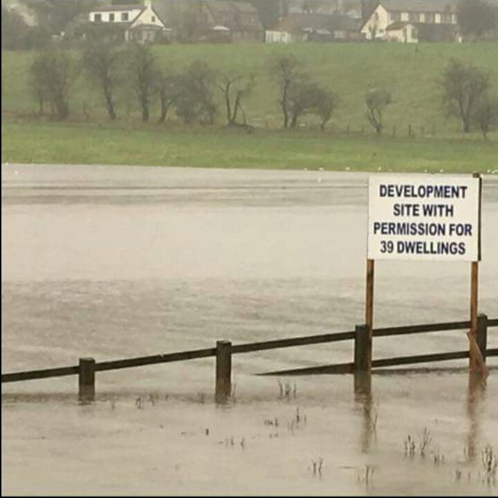 Flood plains should -> cheaper houses RT @helgrimshaw: I wonder if they'll use this shot in their sales brochure
