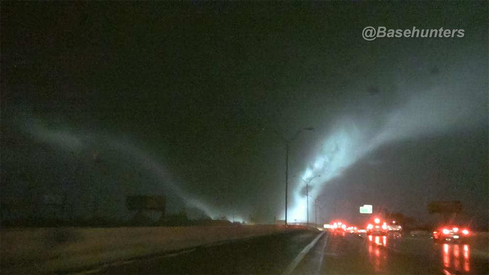 Tornado from @Basehunters as it moved through Rowlett, TX area tonight. https://t.co/k8VPxjhE3S